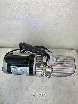 Mastercool 90067 Vacuum Pump 7.5 CFM Two Stage