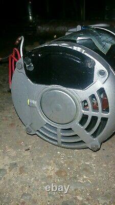 Robinair VacuMaster 15600 High Performance Vacuum Pump 6 cfm 1/2HP 115v motor