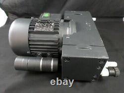 Vacuubrand DVP 2C TYRO 12 Diaphragm Oiless Vacuum Pump 12 Torr 15mbar 1.2cfm